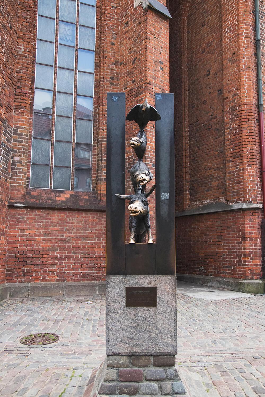 Statue in Riga